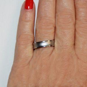 Elegant White Gold 18 karat gold plated Satin Ring